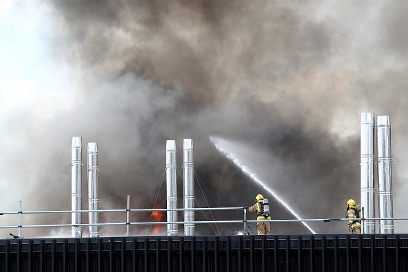 Auckland「Smoke Blankets Auckland CBD As Fire Burns At SkyCity Convention Centre」:写真・画像(13)[壁紙.com]