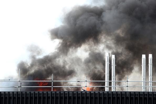 Auckland「Smoke Blankets Auckland CBD As Fire Burns At SkyCity Convention Centre」:写真・画像(14)[壁紙.com]
