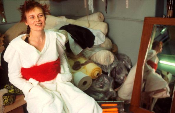 1人「Vivienne Westwood」:写真・画像(18)[壁紙.com]