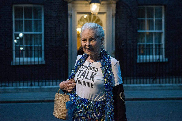 T-Shirt「Theresa May Hosts A Celebration Of British Fashion At 10 Downing Street」:写真・画像(9)[壁紙.com]