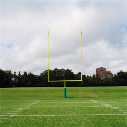 Long Island「Football Goal Posts」:スマホ壁紙(14)