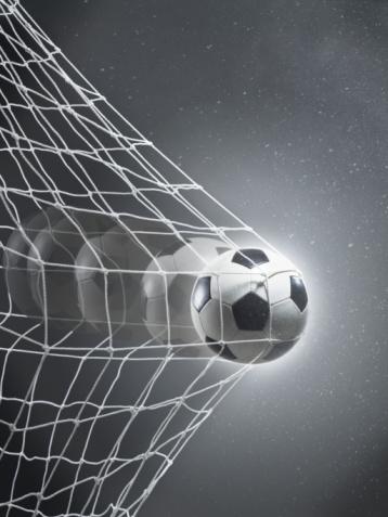 Multiple Exposure「Football goal」:スマホ壁紙(1)
