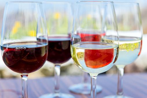 サントリーニ島「ワインの試飲 - ワイナリー」:スマホ壁紙(11)
