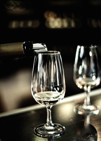 Wine Bottle「Wine tasting」:スマホ壁紙(15)