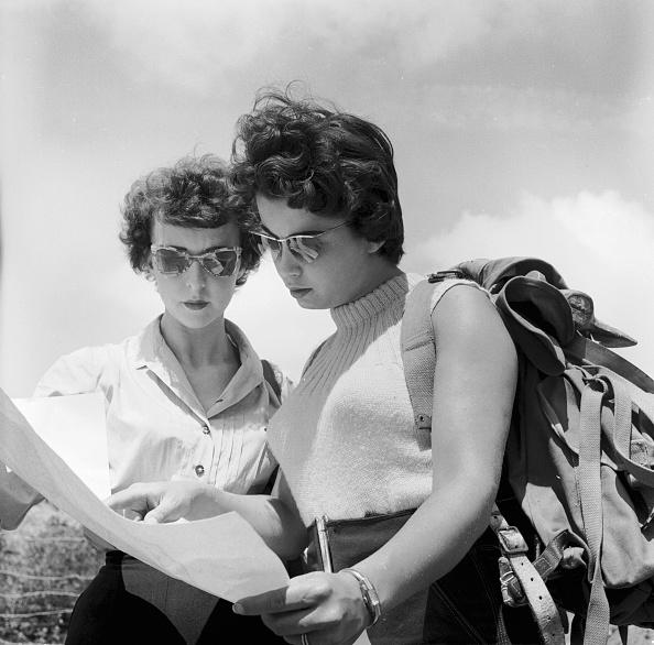 Harry Kerr「Hiking Ladies」:写真・画像(3)[壁紙.com]