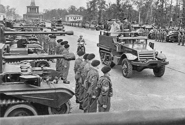 写真「'British Victory Parade In Berlin, July, 1945', 1945 (1955)」:写真・画像(14)[壁紙.com]