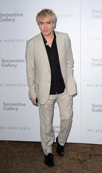 Eamonn M「Burberry Serpentine Summer Party」:写真・画像(3)[壁紙.com]