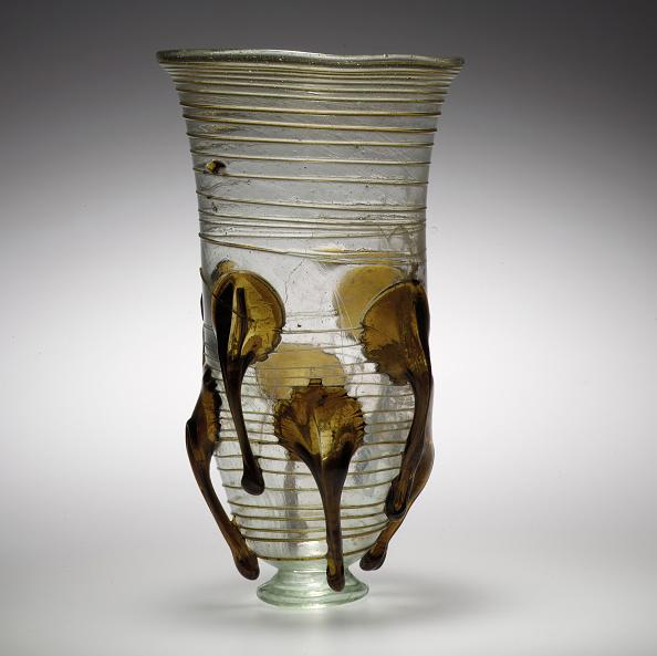 "Animal Body Part「Glass ""Claw"" Beaker」:写真・画像(7)[壁紙.com]"