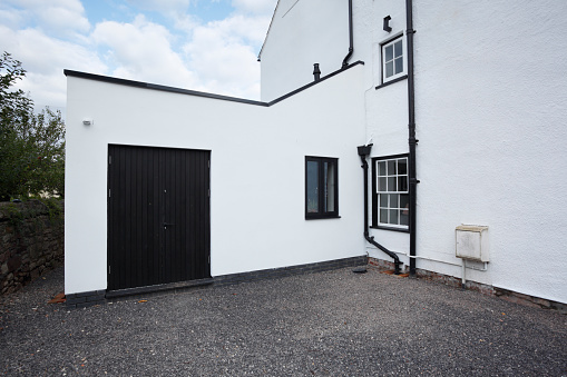 Contrasts「Modern extension built onto the side of a listed period property, completed project.」:スマホ壁紙(14)
