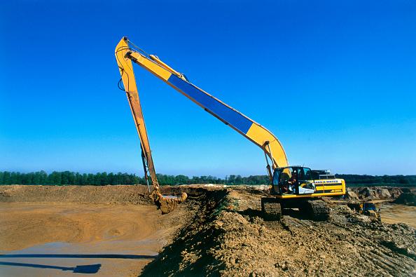 Reaching「Excavation in progress with long reach excavator」:写真・画像(15)[壁紙.com]