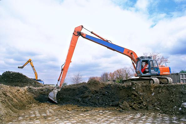 Reaching「Excavation in progress with long reach excavator」:写真・画像(11)[壁紙.com]