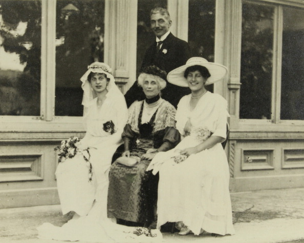 Bride「Bad Aussee. Styria. Wedding Party At The Wedding Of Felix Forster. August 1919. Photograph.」:写真・画像(8)[壁紙.com]
