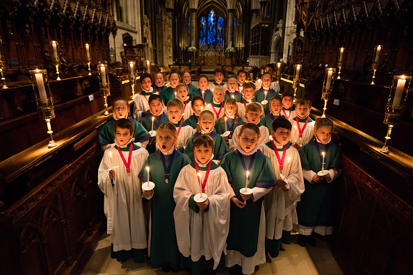 Church「Salisbury Cathedral Choristers Prepare For Christmas」:写真・画像(2)[壁紙.com]