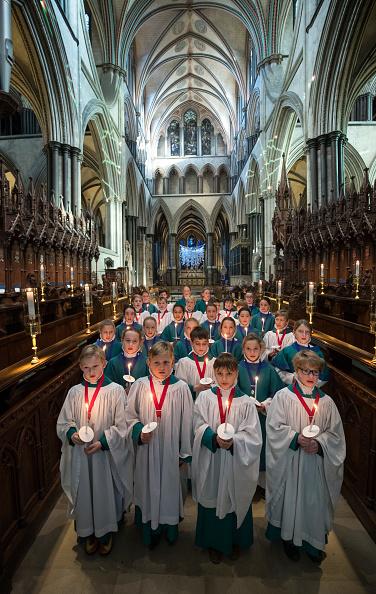 In A Row「Salisbury Choristers Prepare For Their Christmas Services」:写真・画像(12)[壁紙.com]