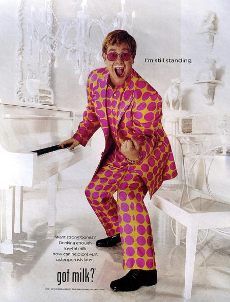 Milk「Singer Elton John Appears In An Ad January 25 2001 For The American Dairy Farmers And Mi」:写真・画像(18)[壁紙.com]