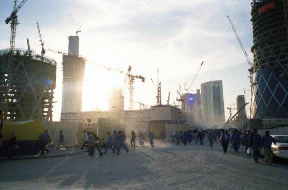 Construction Site「Doha Construction Workers」:写真・画像(9)[壁紙.com]
