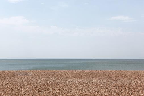 Pebble「Empty pebble beach」:スマホ壁紙(18)