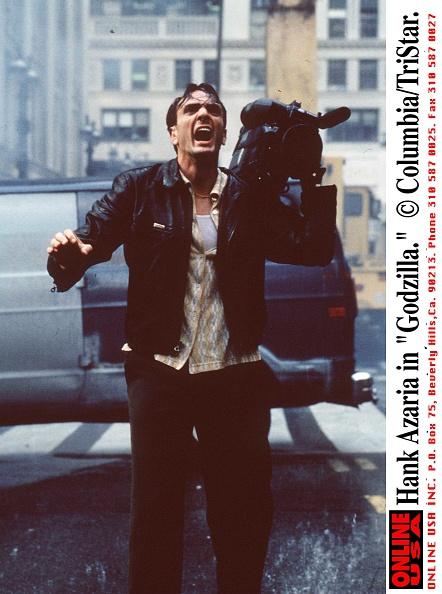 1998 movie Godzilla「Hank Azaria as cameraman Animal in this summer's blockbuster movie, 'Godzilla.'」:写真・画像(0)[壁紙.com]