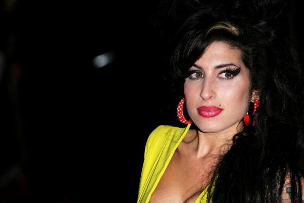 Amy Winehouse「Arrivals At The Brit Awards 2007」:写真・画像(1)[壁紙.com]