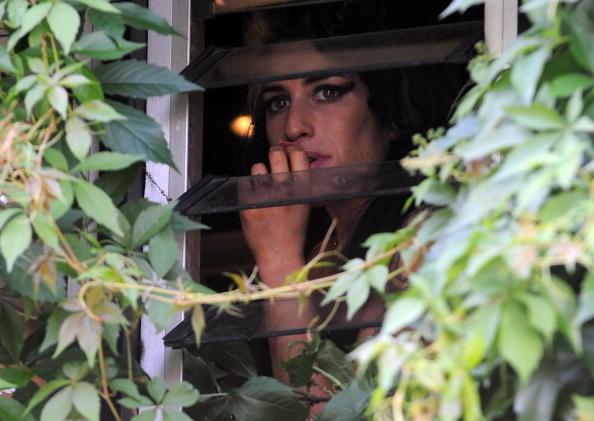 Candid「Amy Winehouse Sighting」:写真・画像(10)[壁紙.com]