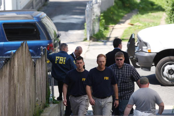 FBI「Connecticut Home Of Times Square Bomb Suspect Searched」:写真・画像(12)[壁紙.com]