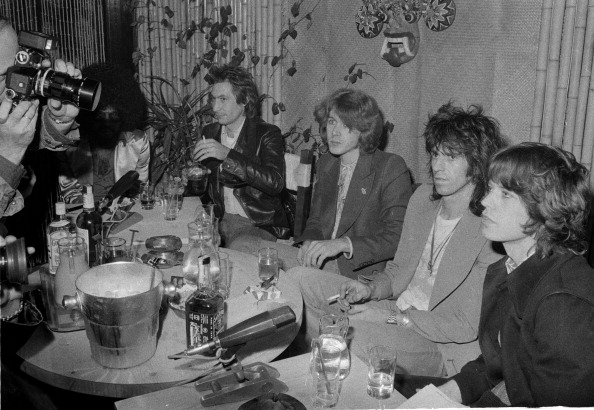 座る「Rolling Stones Press Conference」:写真・画像(2)[壁紙.com]