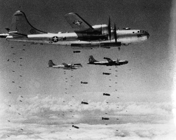 Explosive「Dropping Bombs」:写真・画像(15)[壁紙.com]