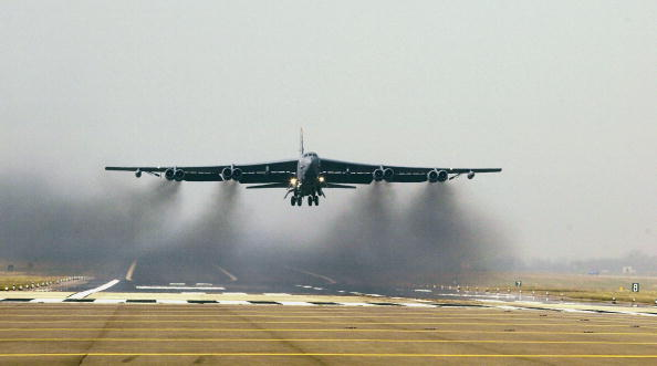 Explosive「U.S. Air Force B52 Bombers Take Off From RAF Fairford」:写真・画像(19)[壁紙.com]