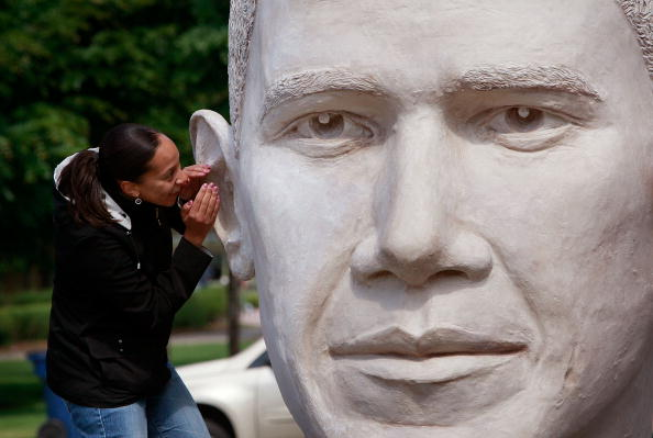Eccentric「Sculpture Of Barack Obama Makes Stop In Chicago」:写真・画像(2)[壁紙.com]
