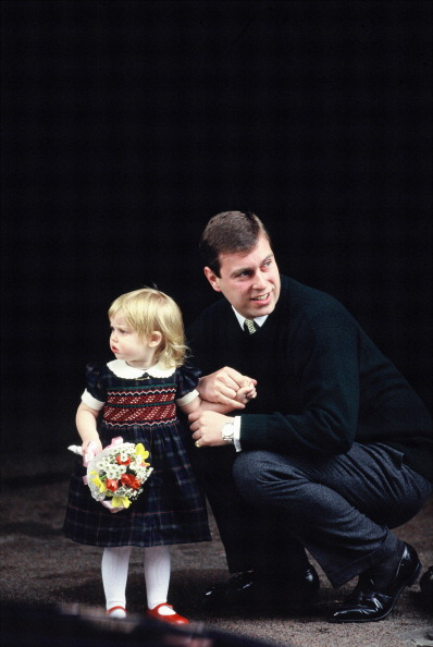 Princess Beatrice of York「Andrew At Eugenie Birth」:写真・画像(15)[壁紙.com]