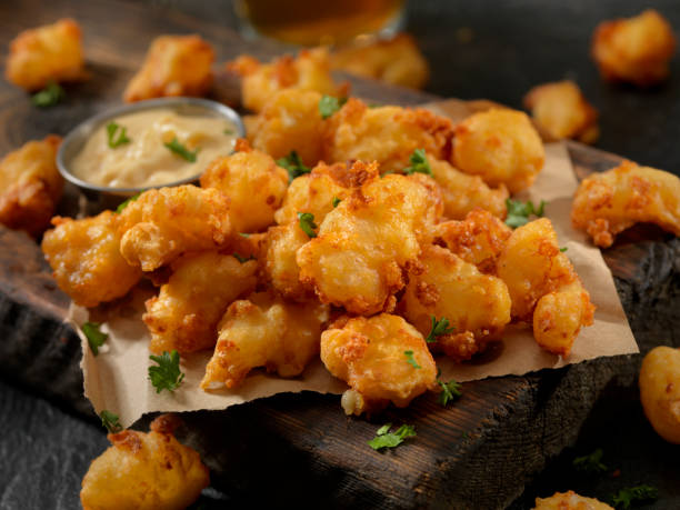 Beer Battered Cheese Curds with Dipping Sauce:スマホ壁紙(壁紙.com)