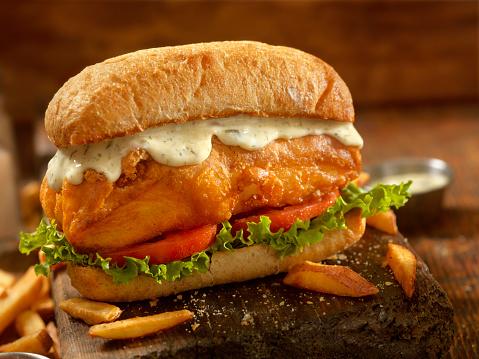 Crunchy「Beer Battered Fish Sandwich on a Ciabatta Bun」:スマホ壁紙(1)