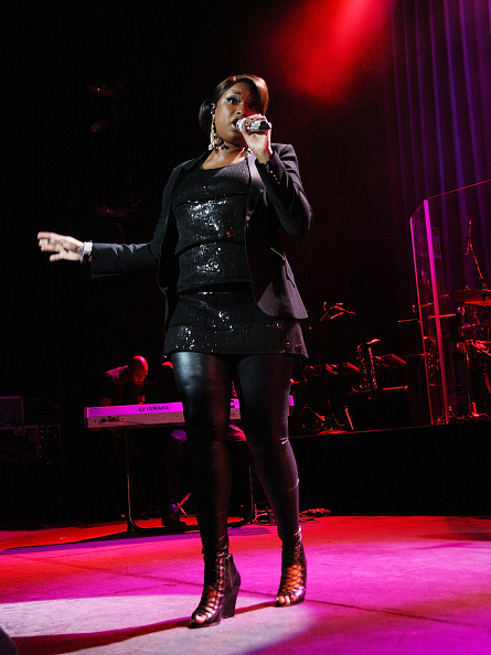 体にぴったりしたドレス「Jennifer Hudson In Concert」:写真・画像(5)[壁紙.com]