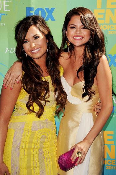 Selena Gomez「2011 Teen Choice Awards - Arrivals」:写真・画像(12)[壁紙.com]