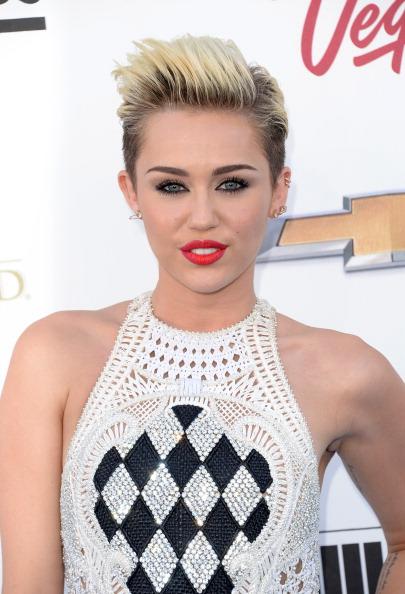 ショートヘア「2013 Billboard Music Awards - Arrivals」:写真・画像(7)[壁紙.com]