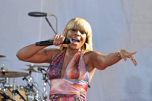 "Mary J. Blige Performs On ABC's ""Good Morning America"":ニュース(壁紙.com)"