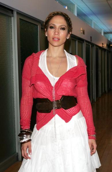 Wide Belt「MTV TRL With Jennifer Lopez And Hayden Christensen」:写真・画像(0)[壁紙.com]