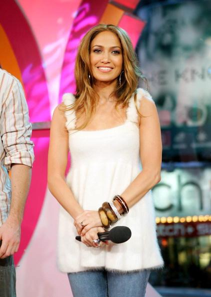 Evan Agostini「MTV TRL With Jennifer Lopez」:写真・画像(0)[壁紙.com]
