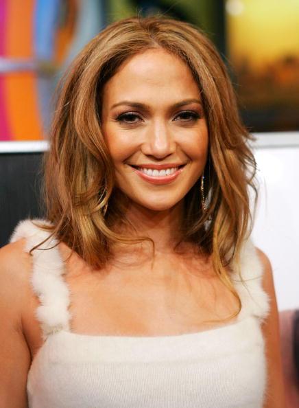 Evan Agostini「MTV TRL With Jennifer Lopez」:写真・画像(2)[壁紙.com]