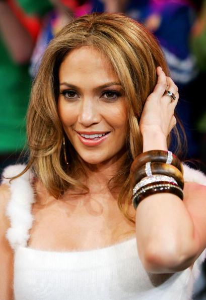Evan Agostini「MTV TRL With Jennifer Lopez」:写真・画像(1)[壁紙.com]