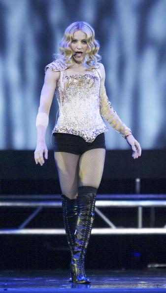 Fingerless Glove「Anaheim: Madonna Re-Invention Tour」:写真・画像(11)[壁紙.com]