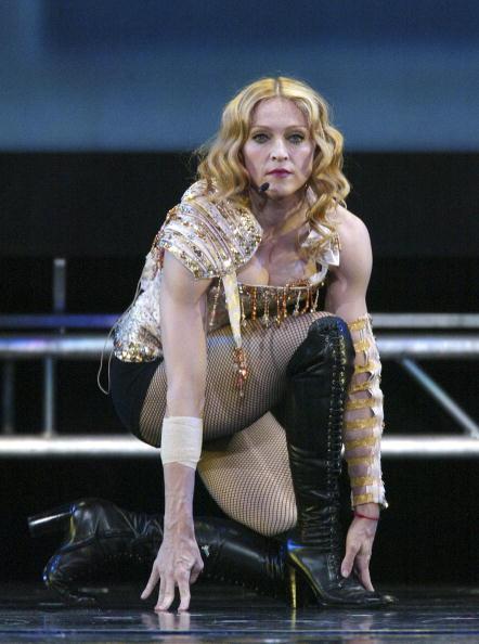 Fingerless Glove「Anaheim: Madonna Re-Invention Tour」:写真・画像(5)[壁紙.com]