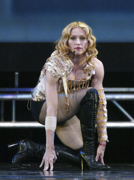 ������ ������「Anaheim: Madonna Re-Invention Tour」:写真・画像(8)[壁紙.com]