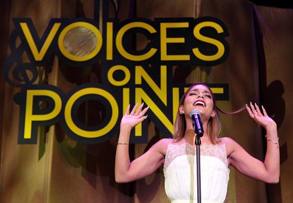 ヴァネッサ・ハジェンズ「Point Foundation's Voices On Point Gala」:写真・画像(15)[壁紙.com]