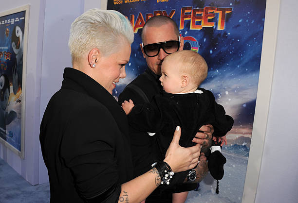 Premiere Of Warner Bros. Pictures' 'Happy Feet Two' - Red Carpet:ニュース(壁紙.com)