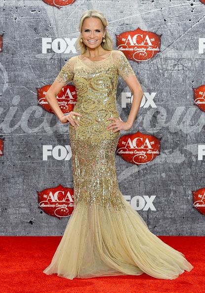 Yellow Dress「2012 American Country Awards - Press Room」:写真・画像(0)[壁紙.com]