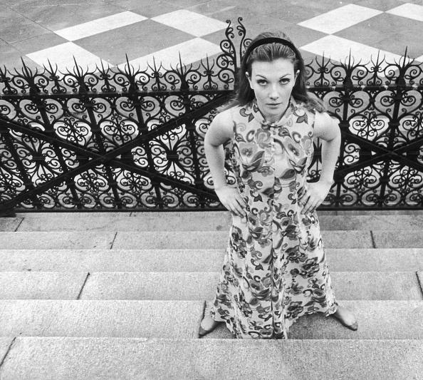 Evening Standard「Evening Standard Girl」:写真・画像(11)[壁紙.com]