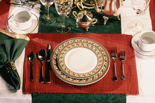 皿「Place setting for holiday dinner」:スマホ壁紙(3)