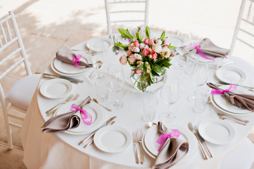 Event「Place setting and centerpiece at wedding reception」:スマホ壁紙(18)