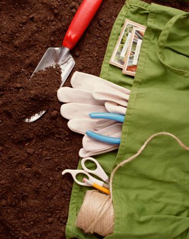 Fertilizer「Gardening supplies on dirt」:スマホ壁紙(5)